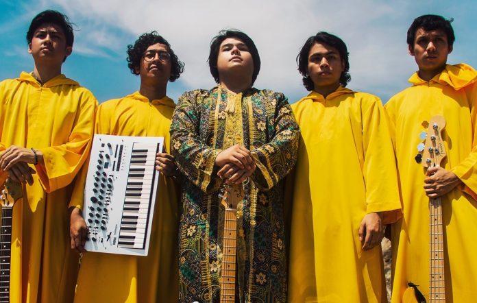 Golden Mammoth tease live album out Feb 10