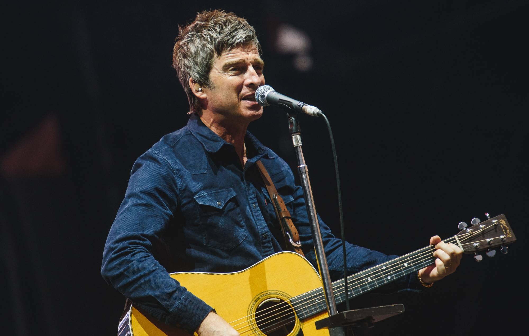 Noel Gallagher donates signed guitar to #ILoveLive raffle to help stage crew