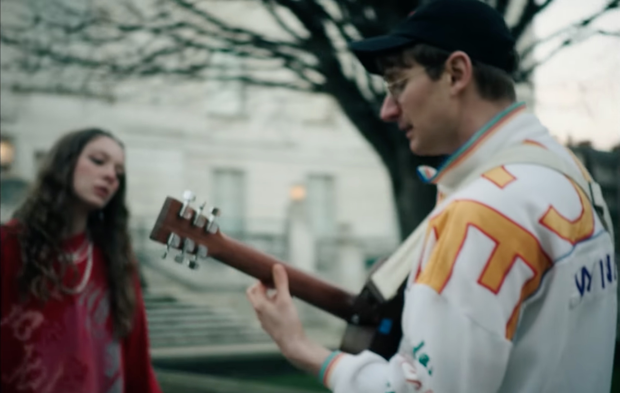 Watch Holly Humberstone join Glass Animals for version of 'Heat Waves'