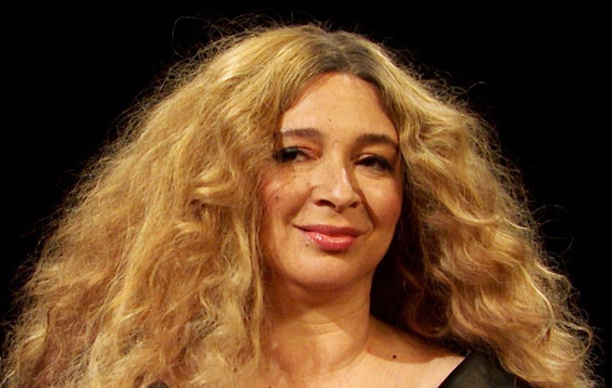 Maya Rudolph will play Beyoncé taking on 'Hot Ones' on 'SNL'