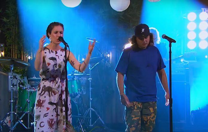 Watch Missy Higgins and Birdz cover 'Survivor' on 'The Set'