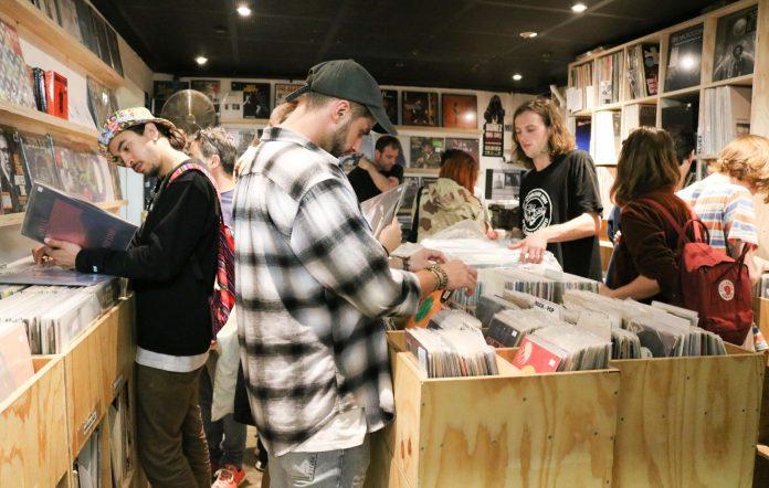aria vinyl outsell cd 2021