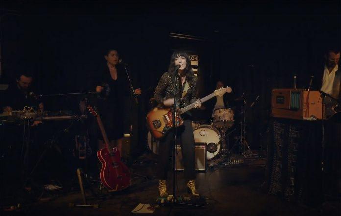Sharon Van Etten performs her second album 'Epic' live in LA
