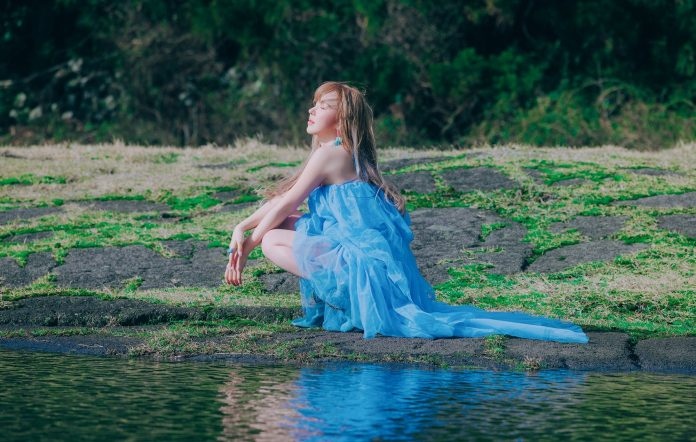 Wendy Red Velvet Like Water review