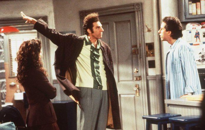 Kramer (centre) in 'Seinfeld