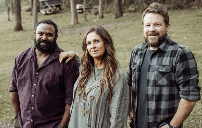 Kasey Chambers and Busby Marou announce 2021 'Behind The Barricades' tour