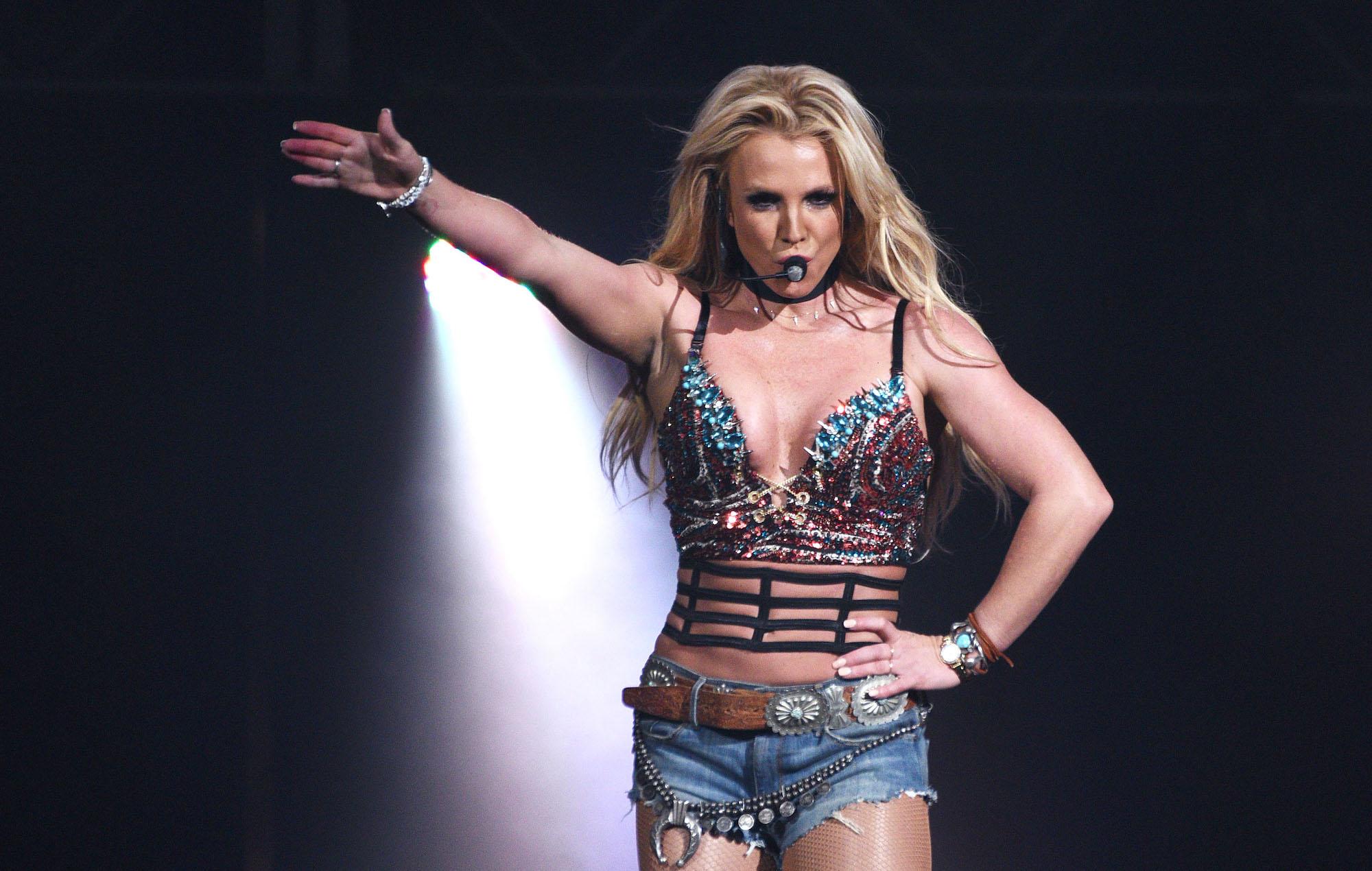 Britney Spears performing 2016