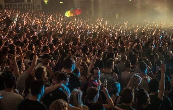 Image of a large crowd at a nightclub