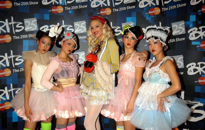 Gwen Stefani Harajuku Girls 2005 BRITs