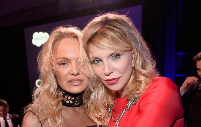 Pamela Anderson Courtney Love 2017