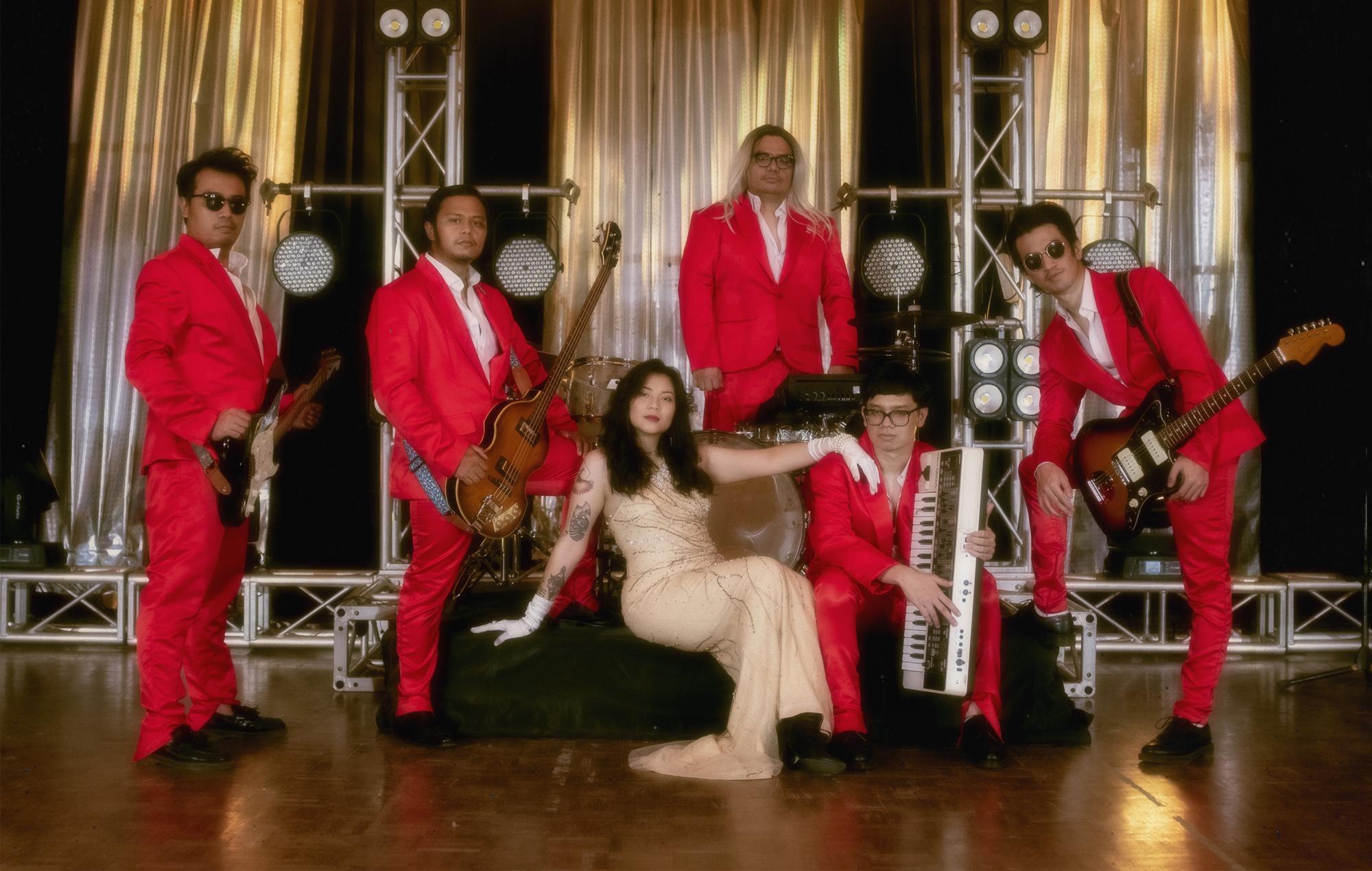 Danilla Riyadi and the Glamors album Peluh, Gairah & Kelana disco 2021