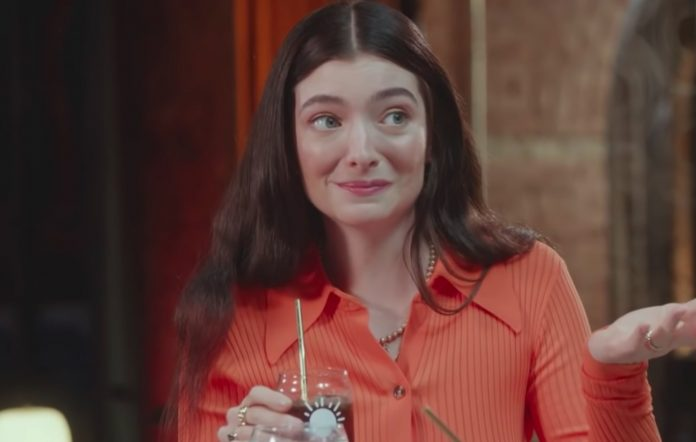 Lorde appears on 'Late Night with Seth Meyers'