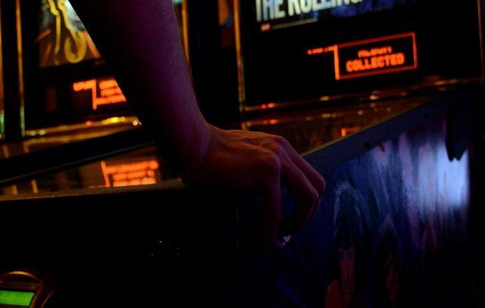 pinball-machine