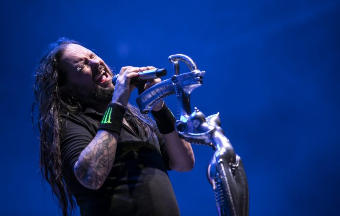 Jonathan Davis performs with Korn