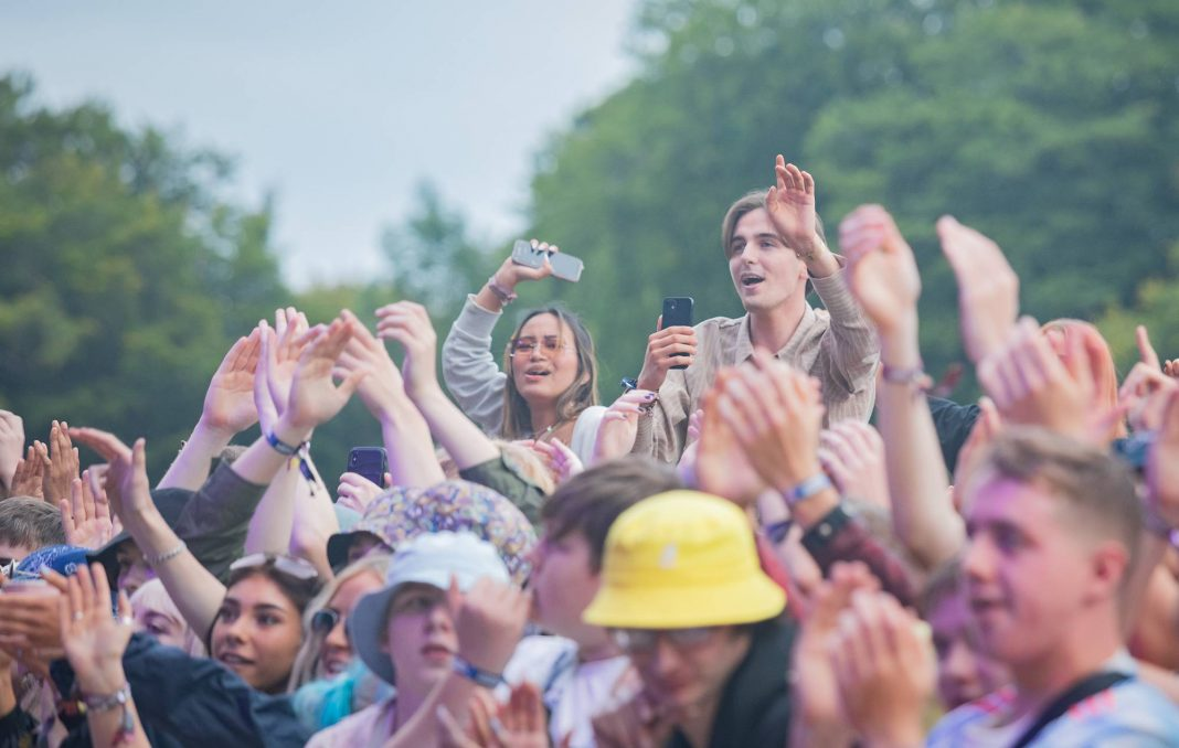 The crowd at Leeds Festival 2021. Credit: Andrew Benge/Redferns