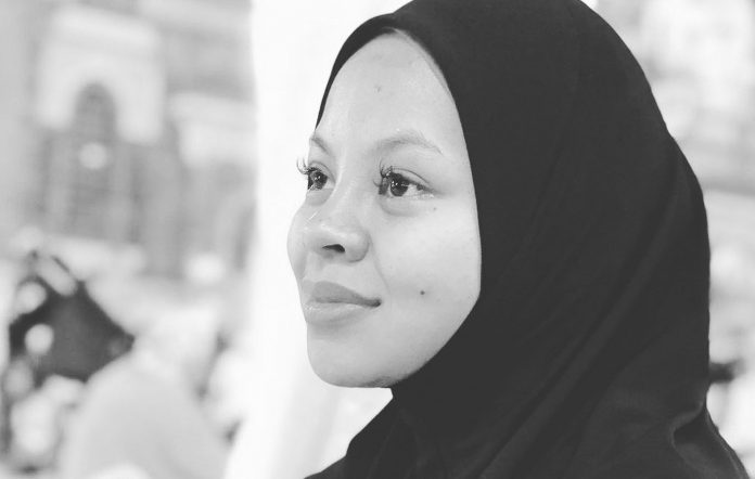Tributes paid to Malaysian pop singer Siti Sarah, who has died