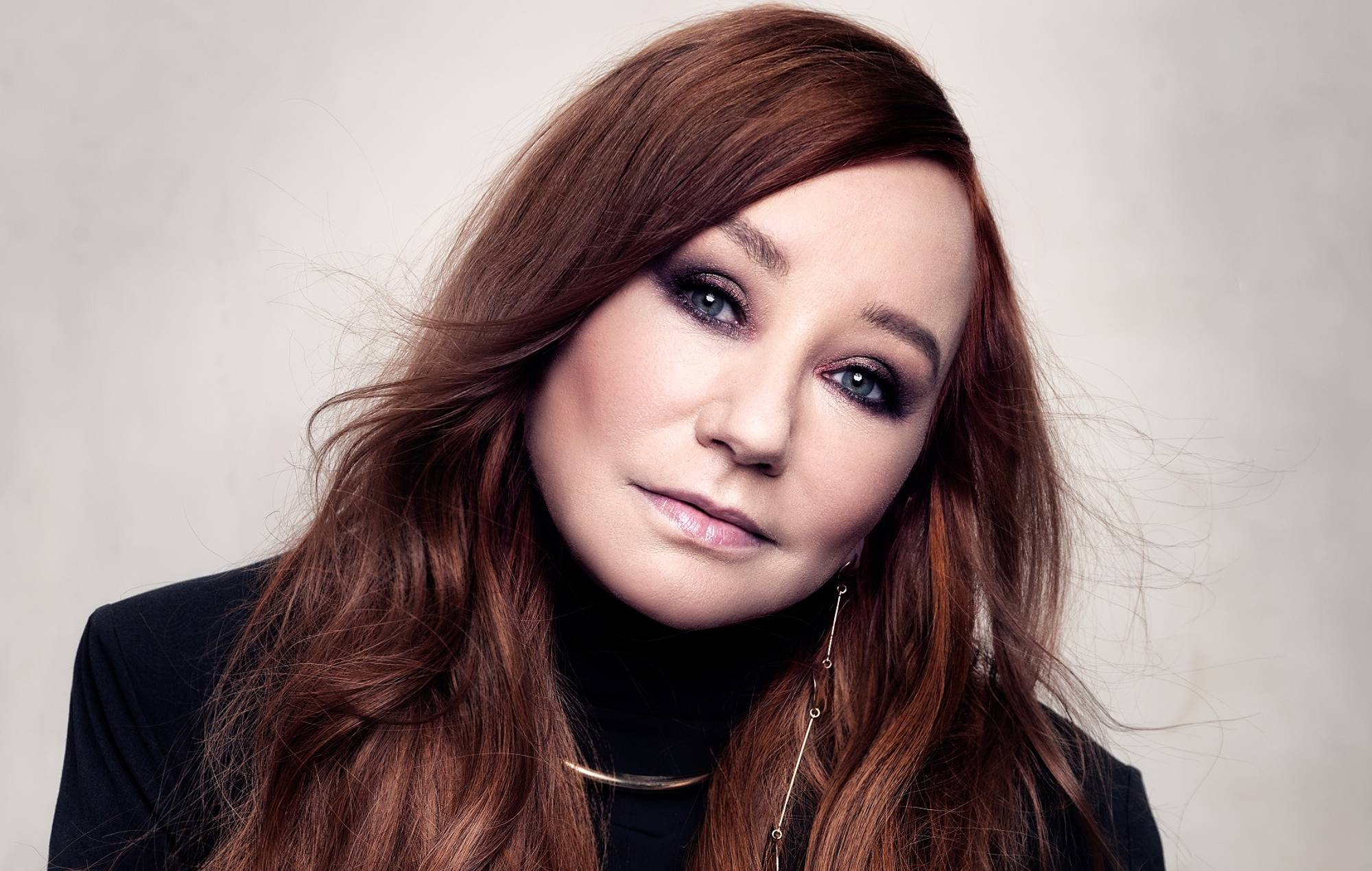 COSMO  Tori Amos previews new album with rollocking single 'Spies'