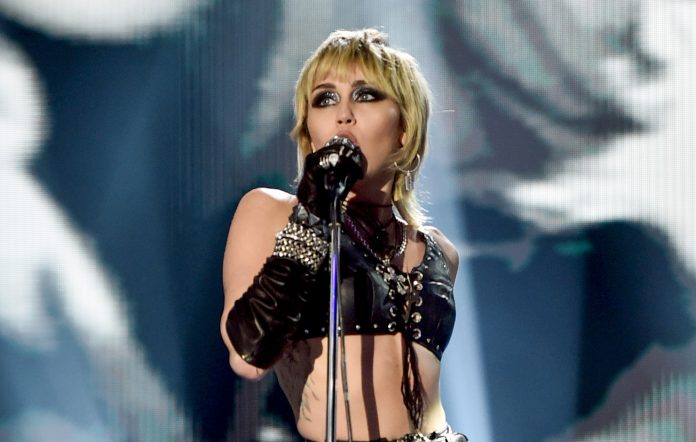 MIley Cyrus talks onstage about near panic attack Milwaukee Summerfest pandemic anxiety