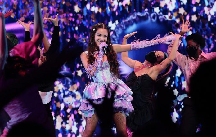 Olivia Rodrigo performing at the 2021 MTV Video Music Awards