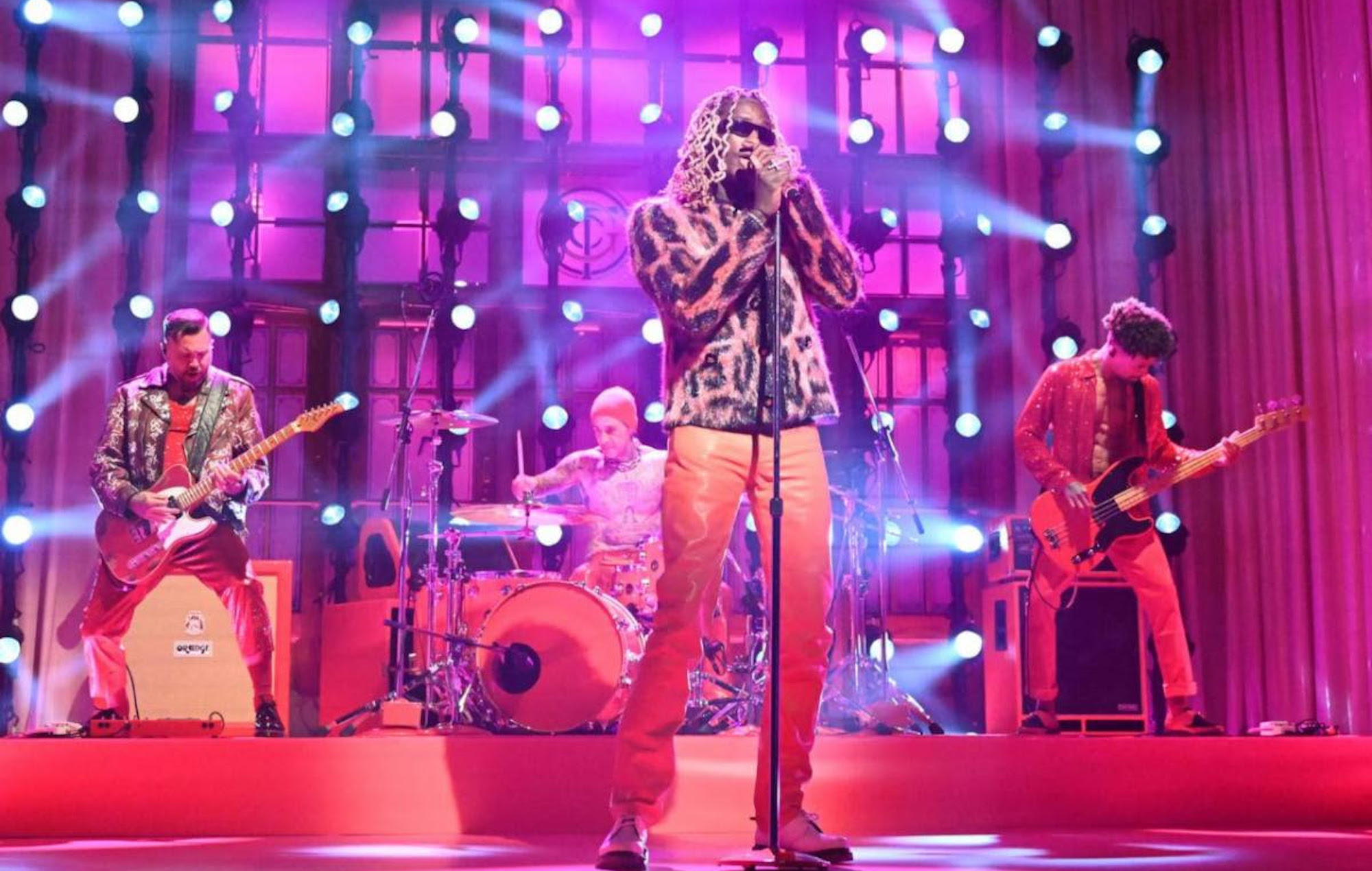 COSMO  Young Thug joined by Travis Barker for 'SNL' performance of 'Tick Tock'